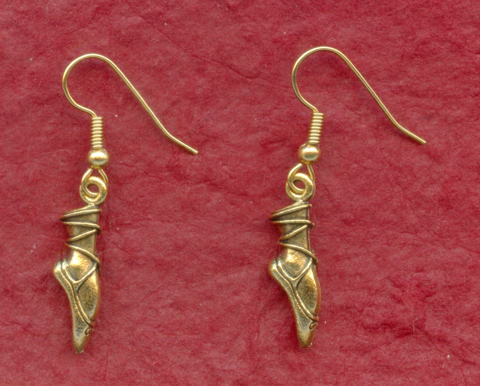 dance earrings, ballet earrings, pointe earrings, 3d gold or silver plated, dancer gift