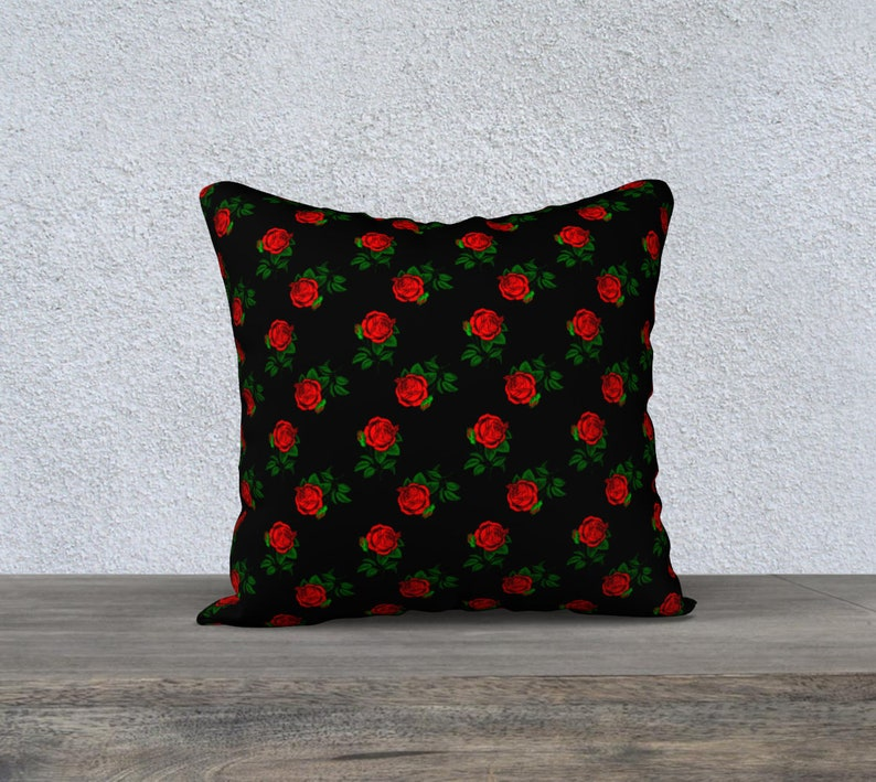 red roses black 18 x 18 Pillow Case image 0