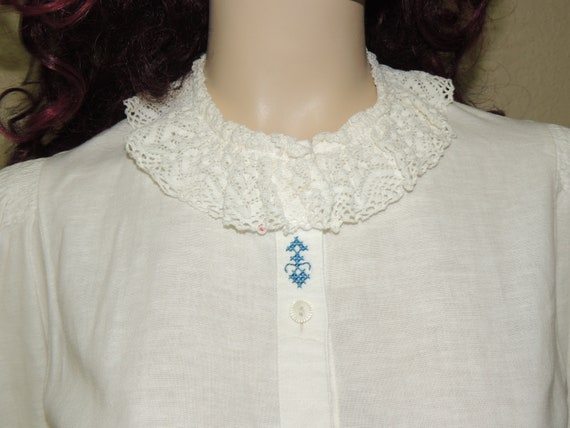 GEIGER Austria Smocking/Lace/Embroidery Blouse tag