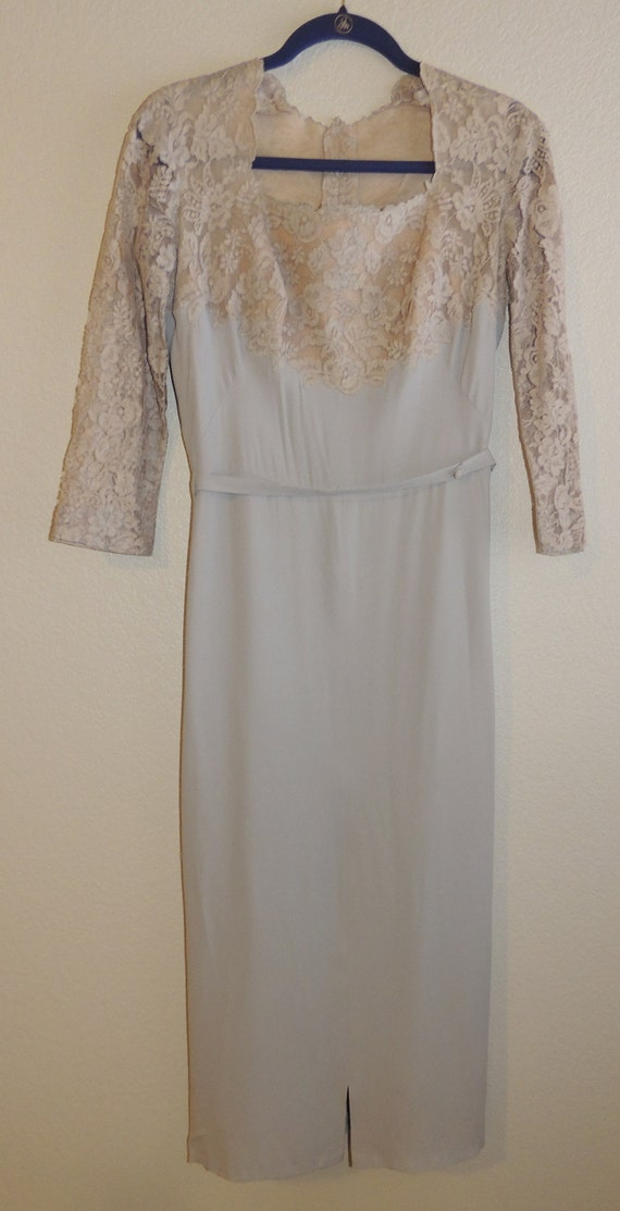 1940s Original by PEGGY HUNT M Gray Crepe and Lace