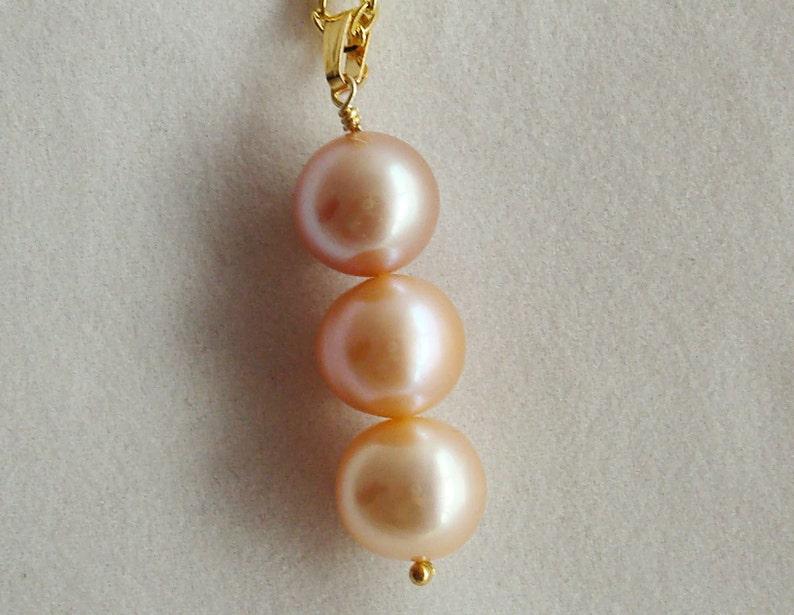 Three pearl drop pendant image 0
