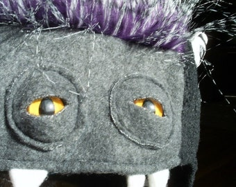 READY TO SHIP - Rubella Hungry Hat