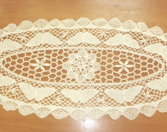 """Vintage bobbin lace doily 30"""" by 12"""" butterflies off white"""