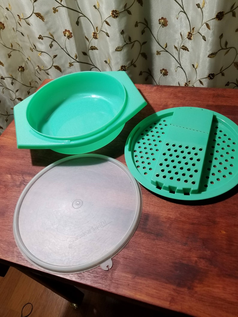 Vintage Tupperware Grate N Store 3 Piece Set Kitchen Gadgets Retro Grater  and Storage Container Cooking Gadget