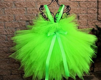 65d0c51e534e36 Neon green dress
