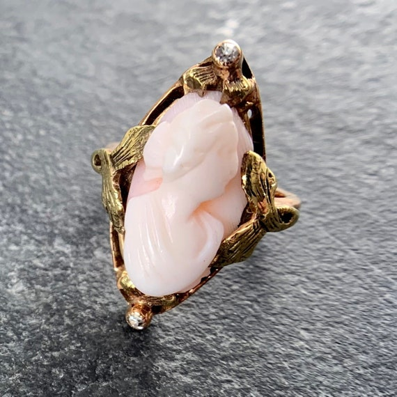 10k Yellow Gold Antique Cameo and Diamond Ring - S