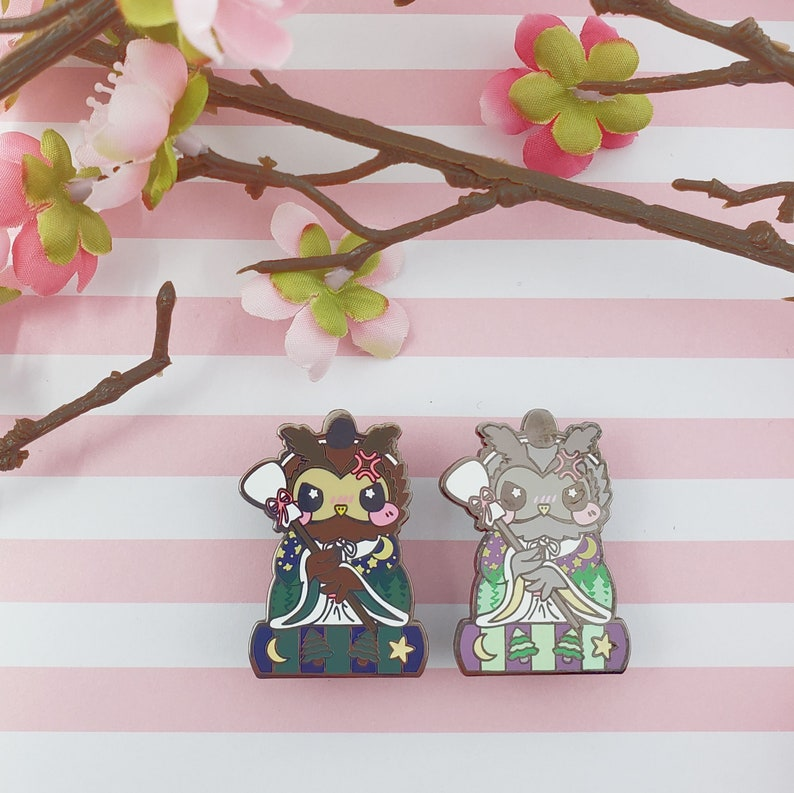Helper Owl: Girl's Day Animal Enamel Pins image 0