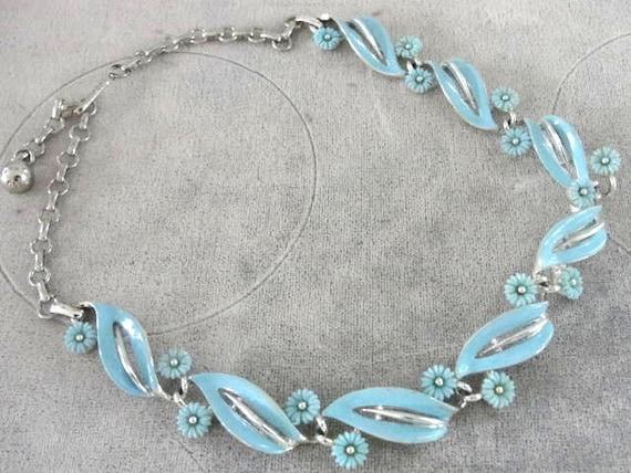 LISNER Blue Necklace Enamel Resin Vintage