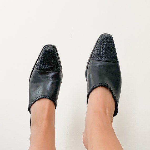 CHARLOTTE vintage 90s black woven leather mules - image 3