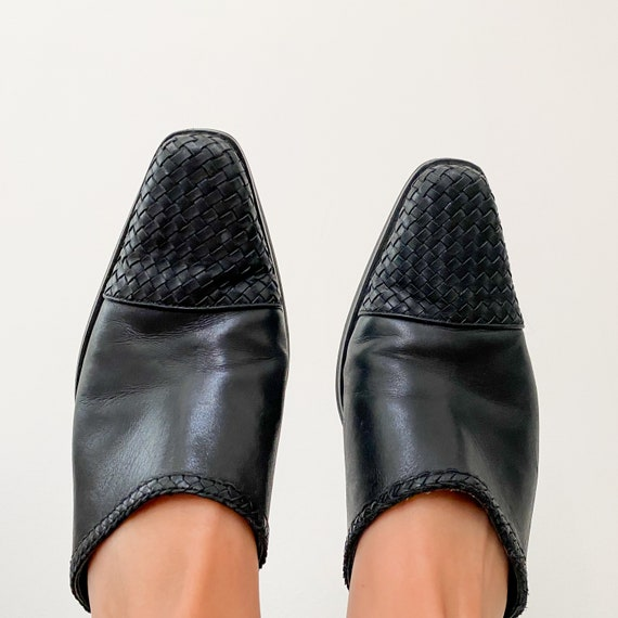 CHARLOTTE vintage 90s black woven leather mules - image 2