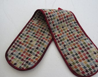 Double Oven Gloves - Houndstooth - Pretty and Useful - Furnishing Fabric for Extra Thickness - Thermal Insulation at Hand Pockets
