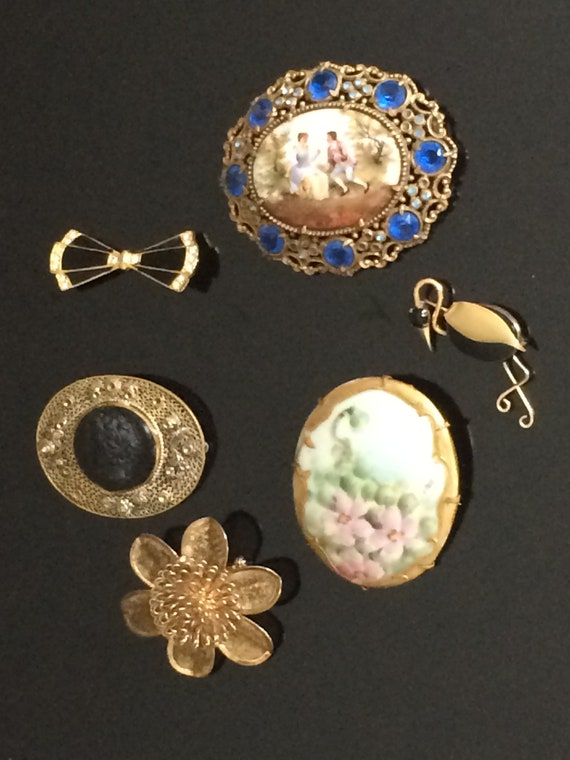 Vintage Costume Jewelry Pins