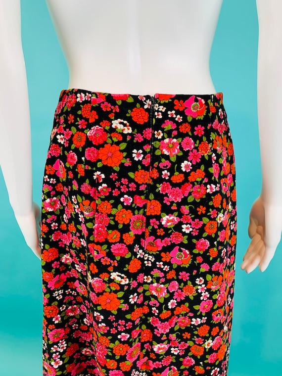 1970/'s St Michael Dark Floral Velvet Skirt