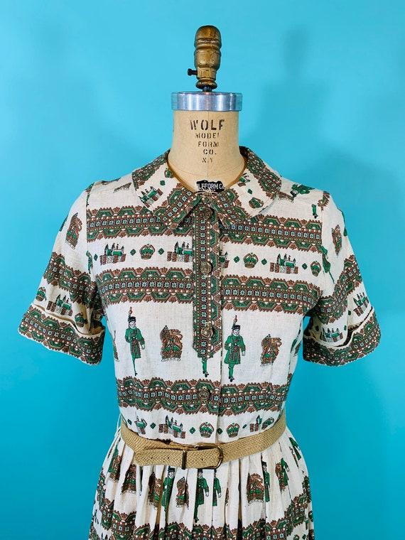 Vintage 1950s Scenic Dress   Novelty Print Cotton… - image 3
