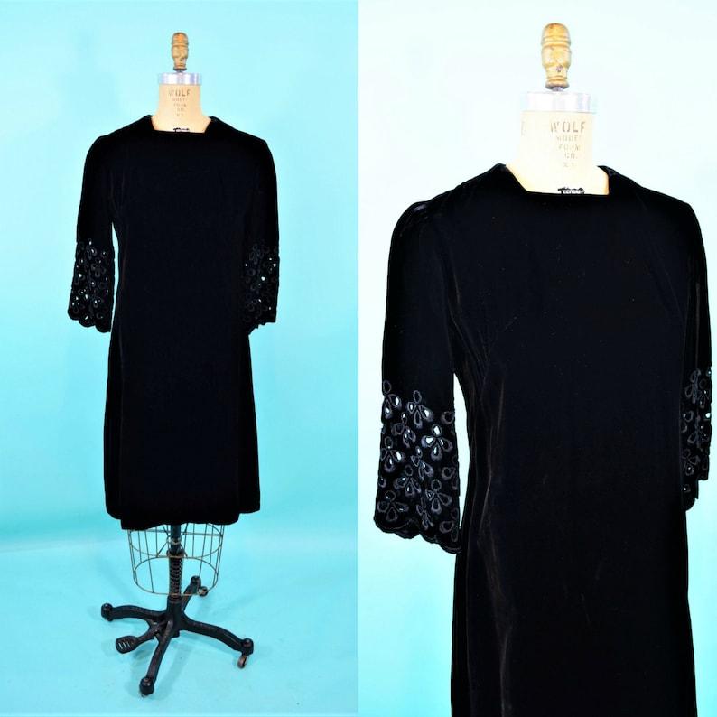 Vintage 1960s Velvet Shift  Mod Cutout Sleeve Black Dress  B image 0