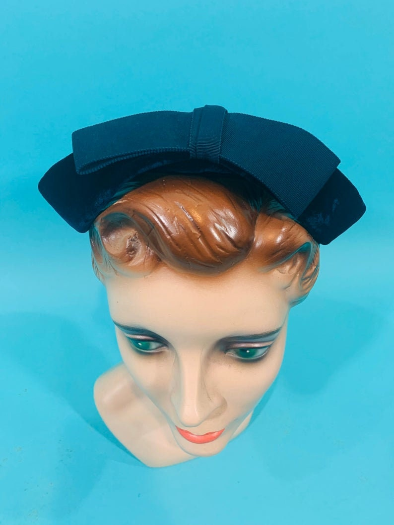 Cutouts Bow Betmar Cap Vintage 1950s Navy Hat