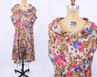"ANNIVERSARY SALE // 1960s floral dress | brown pink floral wide collar dress | vintage 60s dress | W 33"""