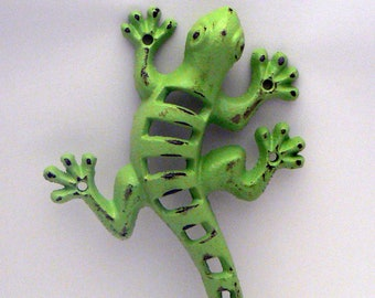 Lizard Gecko Cast Iron Wall Hook Boho Shabby Chic Green Stylish Fence Art