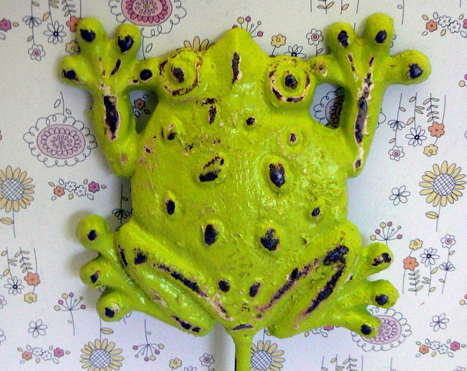 Frog Wall Hook Lime Green Cast Iron Boho Shabby Chic Retro Home Decor