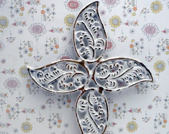 Cross Hook White FDL Feathered Swirled Shabby Chic Cast Iron Wall Home Decor