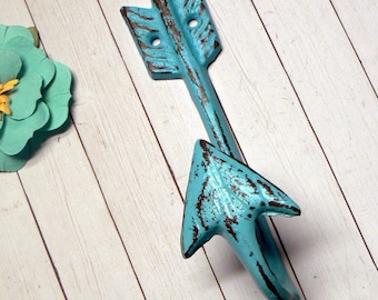 Arrow Hook Cast Iron Boho Wall Hook Shabby Chippy Beach Blue Cottage Chic Distressed Single Coat Jewelry Leash Scarf Hat Towel Keys Hook
