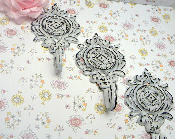 Medallion Cast Iron Hooks White Shabby Chic Set of 3 Beach Home Nursery Decor