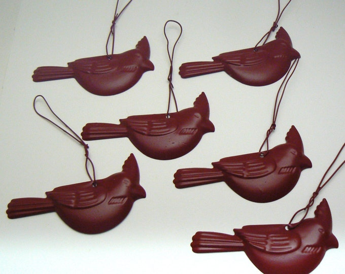 Cardinal Red Bird Ornament Metal Twist Hanger Memory Tree Set 6 Represents Loss of Loved One Garden Gift Idea Accent Kitchen Bathroom Decor