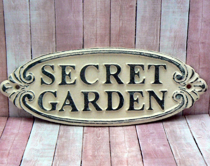 Secret Garden Sign Gate Wall Welcome Plaque Metal Cast Iron Shabby Chic OFF White Cream Magical Garden Entrance Door Sign Home Entryway