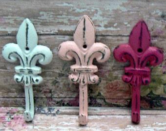Fleur de lis Cast Iron Shabby Chic White Pink Mini FDL Set 3 Wall Hooks Home Decor
