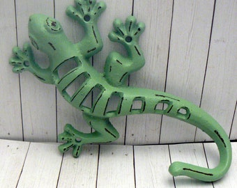 Lizard Gecko Cast Iron Wall Hook Boho Shabby Chic Green Stylish Fence Art