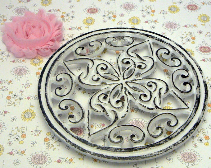 Round Heart Swirl Cast Iron Trivet Hot Plate White Shabby Cross Center Kitchen Dining Decor