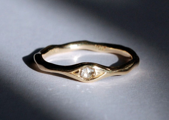10k Gold and White Chakri Diamond Eye Ring
