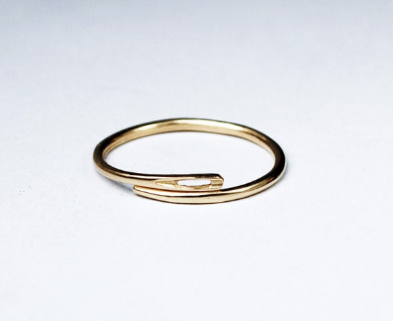 Solid gold thin needle ring