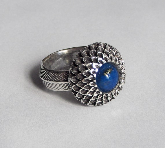 Sterling Silver Chrysanthemum Cocktail Ring with Lapis Center