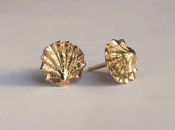 Tiny Fluted Solid Gold Shell Stud Earrings