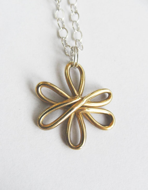 Solid Gold Flower Necklace_Ready to Ship