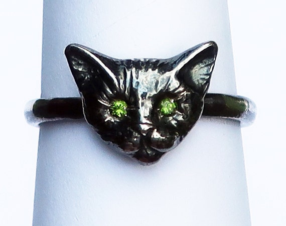 Black Sterling Silver Kitty Cat Ring with Peridot Doublet Eyes