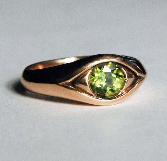 Large Rose Gold Jeweled Peridot Eye Ring-August Birthday-size 7.5