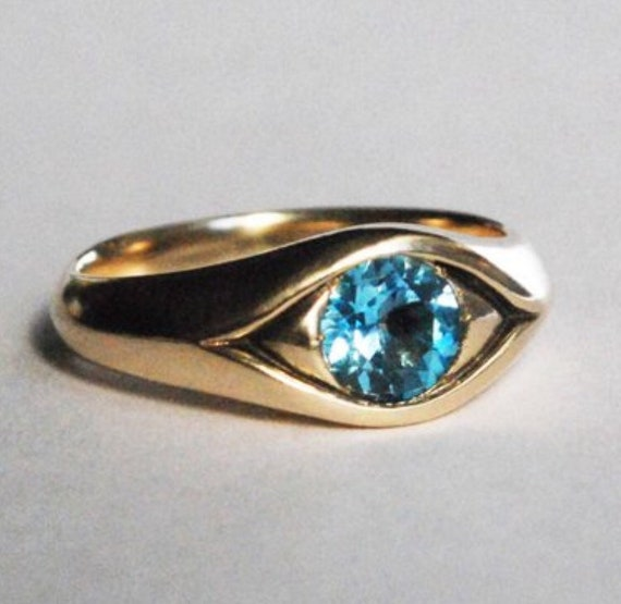 Large 14k Yellow Gold Jeweled Eye Ring