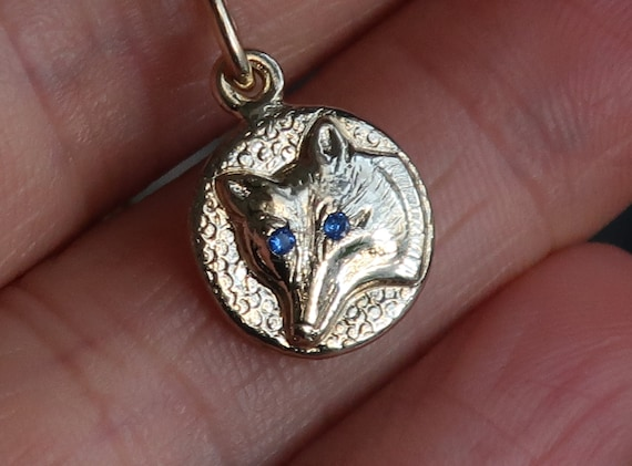 Yellow Gold Jeweled Fox Charm Necklace-blue eyes