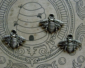 Detailed Silver Bees Charms\/ Stampings