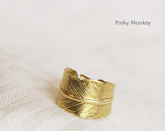 Gold Feather Ring-Feather Wrap Ring in Raw Brass, Wing Ring, Gift For Her,handmade by Maki Y design
