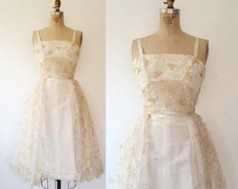 e2d234712c791 1950s dress / vintage cocktail dress / Gilded Lace dress