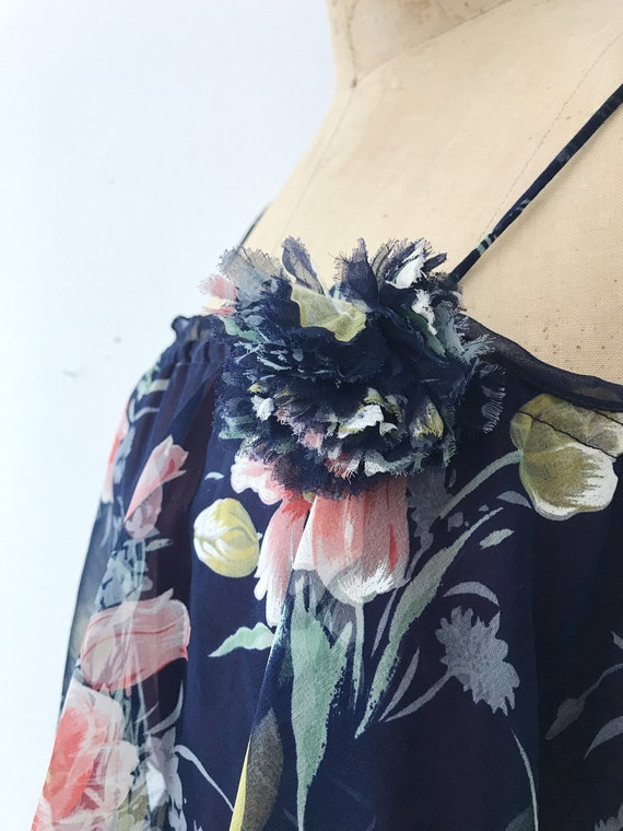 Navy Ruffle dress / Tulip print dress / 1970s vin… - image 4