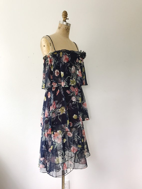 Navy Ruffle dress / Tulip print dress / 1970s vin… - image 6