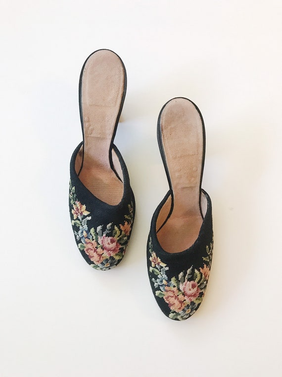 1940s boudoir heels / 1940s slippers / Embroidered