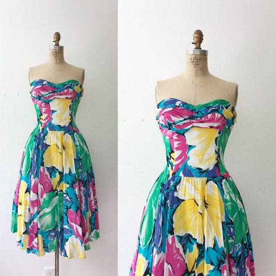 Hibiscus party dress / vintage cocktail dress / 19