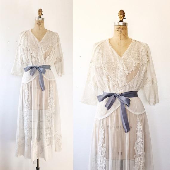 Edwardian Lawn dress / antique dress / Seaside Law