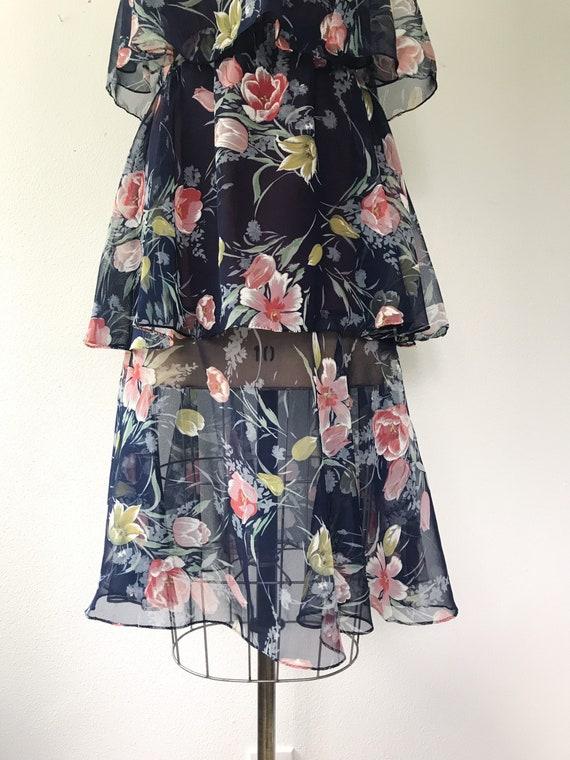 Navy Ruffle dress / Tulip print dress / 1970s vin… - image 10