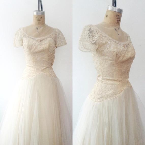 1950s wedding dress / vintage wedding dress / Kari
